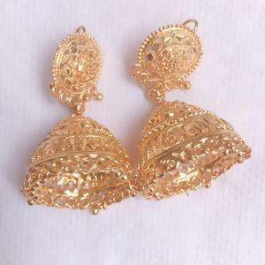 Indian Pakistani woman jewelry